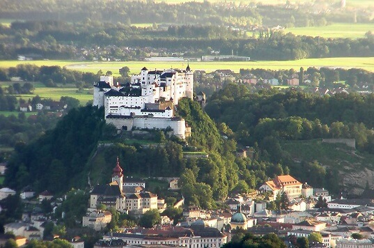 Liste der 10 größten Schlösser Europas